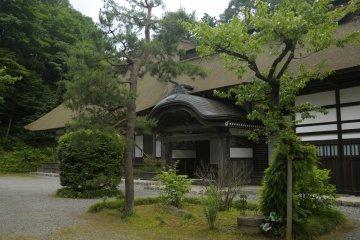 Akiruno City - Temples & Shrines