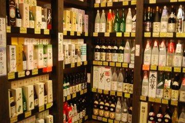 Shelves full of Niigata sake at the Ponshukan.