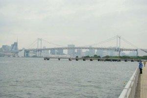 彩虹大桥全景
