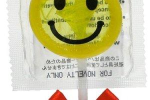 ถุงยางที่ทำเป็นอมยิ้มน่ารักๆ