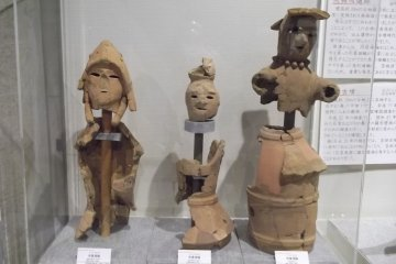 Ancient earthenware in the exhibition centre