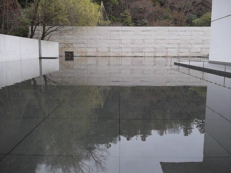 Zen symmetry at the D T Suzuki Museum