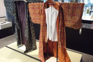 Noh costumes to try on after the pandemic