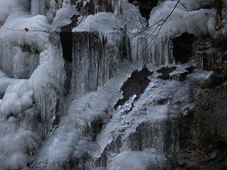 แท่นน้ำแข็งหรือซึตระระ