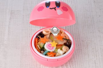 Seafood Yakisoba - complete with a souvenir lunchbox
