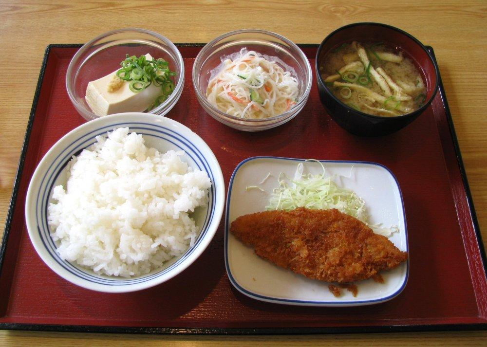 Классический обед с тонкацу
