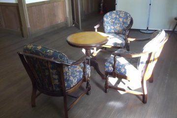 Period furnishing in the house