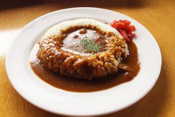 Specialty biwa curry rice