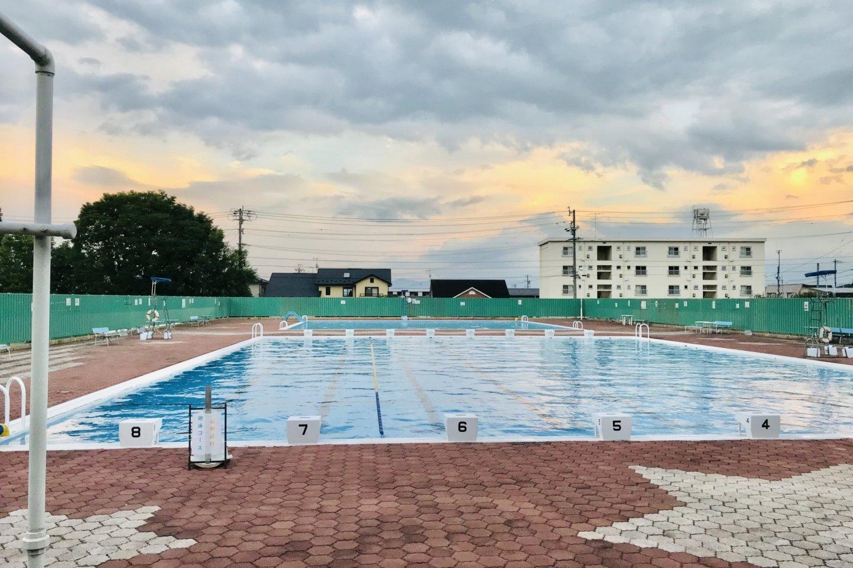 Большой бассейн длиной 25 метров