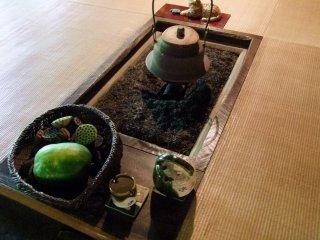 Le foyer traditionnel japonais à l'entrée du restaurant