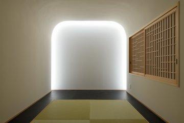 The ultra-minimalist meditation room