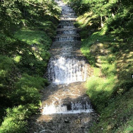 Водопад во французском стиле на реке Усибусэ