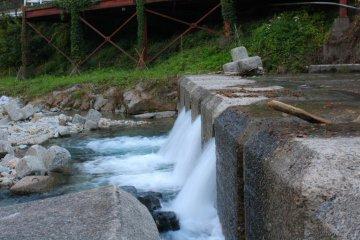 ดูแม่น้ำอารายุประทะกับแม่น้ำชิมะ