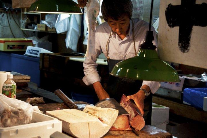 ตลาดขายส่งปลาทูน่าสึคิจิ