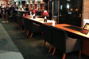 The elegant check in area at the Hotel Granvia