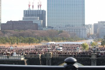 Looking back at the starting point from Nijubashi Bridge
