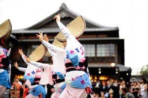 Cận cảnh các cô gái của nhóm Tensui-ren