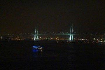 夜色中的横滨大桥
