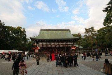 秋・紅葉・和服・ 八坂神社及祭禮