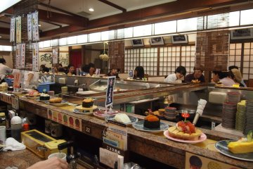 <p>Be sure to try Hanamaru sushi at the 6th level of Stellar Place!</p>