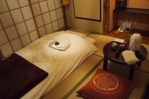 The beautifully traditional ryokanroom.