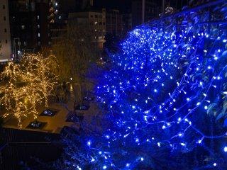 Cahaya luar di kawasan Solamachi, dengan perbelanjaan Natal tentunya!