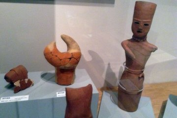 <p>The empty eyes of haniwa&nbsp;figures surely hold some secrets that will never be spoken.&nbsp;</p>