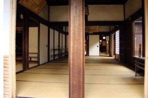 宽敞的榻榻米和回廊