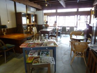 Customers are free to read the cafe's selection of magazines.