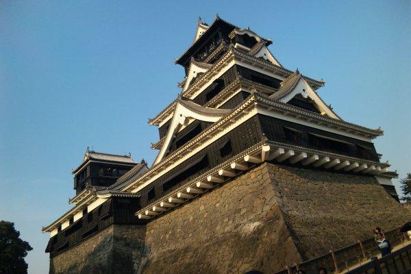 下から見上げた熊本城。勇壮だ