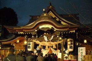 Prayers at main shrine.