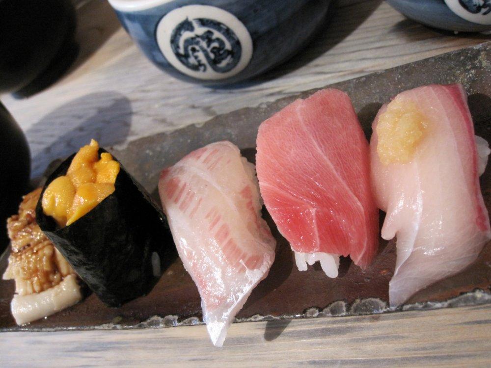 Phần 5 miếng sushi ngon tuyệt