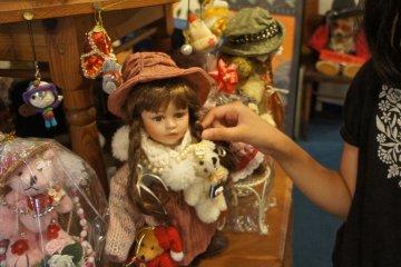 박물관 1층에 있는 테디베어 이외의 장난감