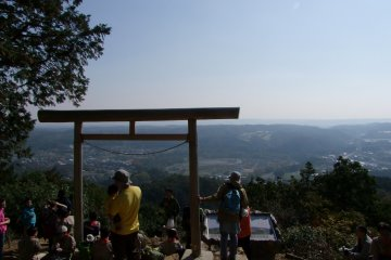 <p>Admiring the view from Mt. Hiwada&#39;s Kotahira Shrine</p>