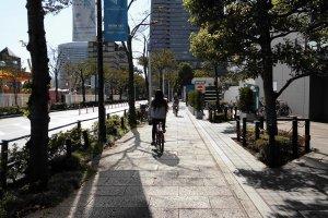 การขี่จักรยานในเมืองนี้ ถือเป็นเรื่องง่ายและสามารถไปได้ทุกที่อย่างอิสระ