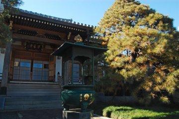 The main hall of Jonen-ji temple