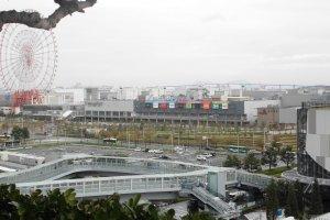วิวบนตึก FUJI TV สามารถมองเห็นชิงช้าที่สูงที่สุดในญี่ปุ่น
