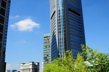 <p>The Park Hotel Tokyo is in Shiodome (Shinbashi&nbsp;station)&nbsp;a futuristic skyscraper district of Tokyo.</p>