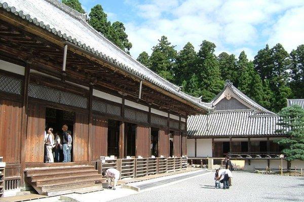 วิหารฮนโด เป็นวิหารหลักที่อยู่ในระหว่างการบูรณะ