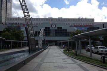 รถไฟสายซัปโปโร-สนามบินชินชิโตเสะ