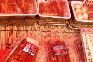 ปลาไหลญี่ปุ่นย่างซอสหวาน ถือเป็นเมนูที่สุดยอดเมนูหนึ่งที่ได้มีโอกาสลิ้มลองราคาไม่แพงเริ่มต้นประมาณ 800 เยน ถูกสุดๆค่ะ