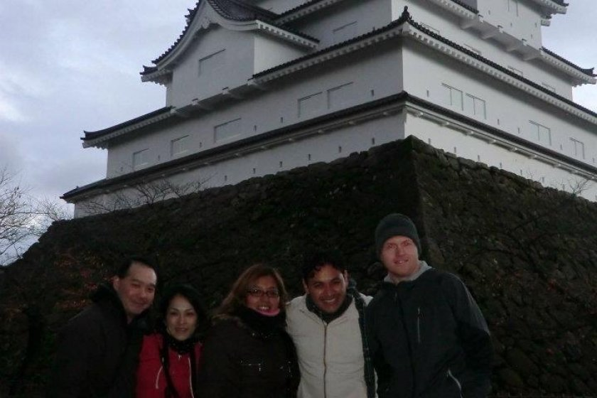 Tour friends in front of the castle