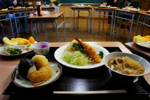 Deluxe school lunch at the Showa-era schoolhouse