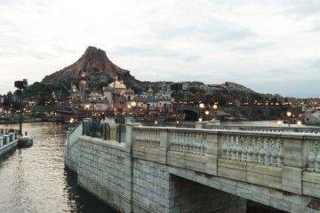<p>Mediterranean Harbor</p>