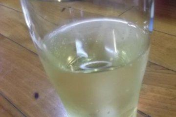<p>เครื่องดื่มแก้วแรกของผม!</p>
