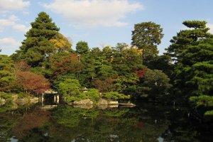 สระน้ำในพระราชวังเกียวโต