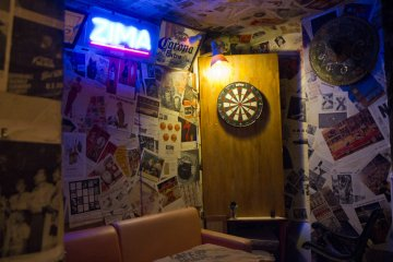 <p>Play darts for free</p>