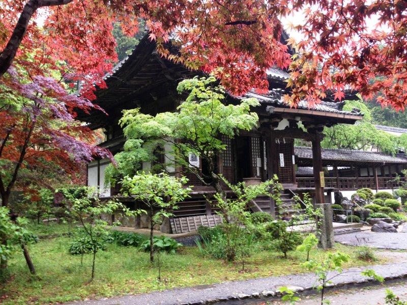 Jurinji Temple west of Muko