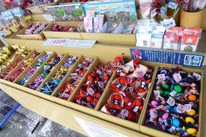 ตุ๊กตาซาระโบโบะของที่ระลึกขึ้นชื่อของเมืองทาคายาม่า