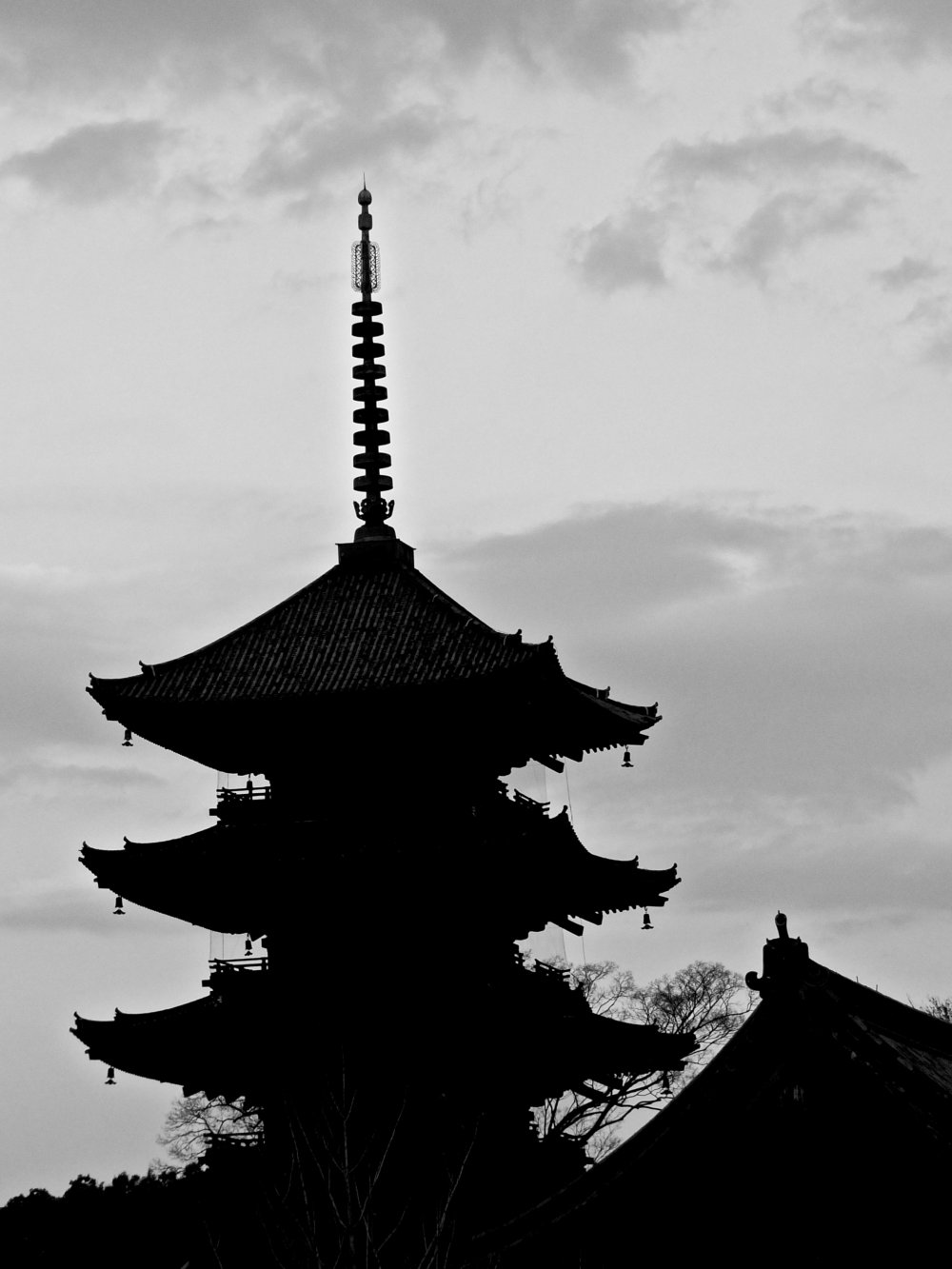 To-ji Temple and its dark pagoda dominate the surrounding skyline